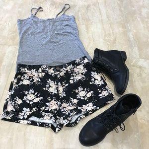 Forever 21 Floral Denim Shorts US Sz 27